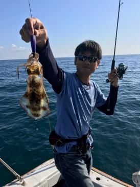 オスカー釣り部、アオリイカを求めてテイップラン釣行の画像